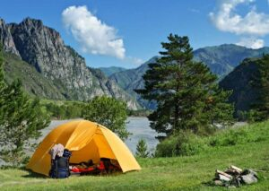 Buying Used Outdoor Gear Reduces Carbon Footprint
